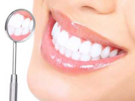 Clareamento-dental-caseiro